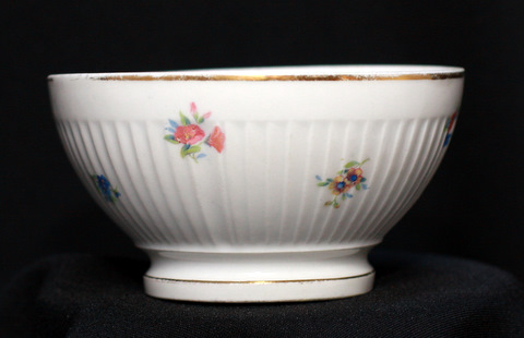 White floral flutted french bowl cafe au lait-0