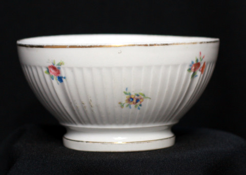 White floral flutted french bowl cafe au lait-1