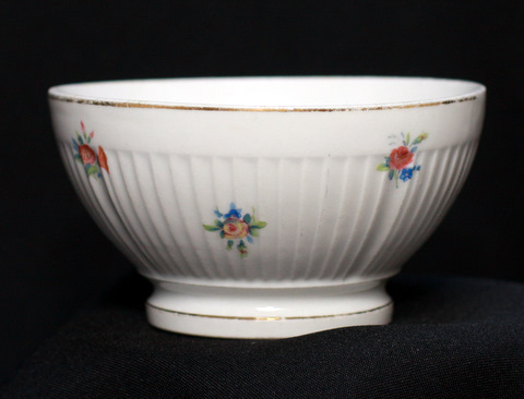 White floral flutted french bowl cafe au lait-2